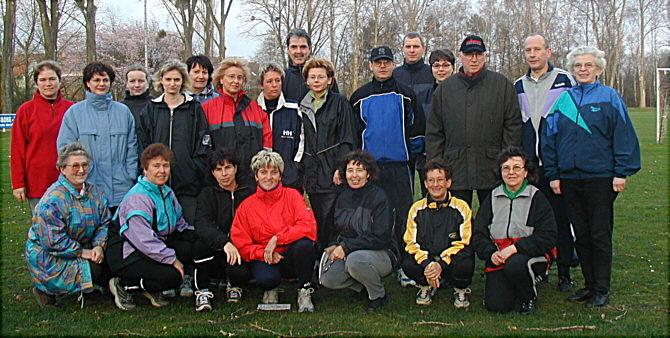 2002-04-26_praeventivsport_walking_gruppenfoto_2